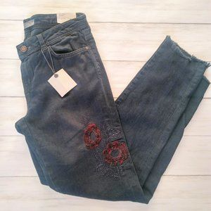 Zara | NWT Embroidered Skinny Raw Hem Jeans
